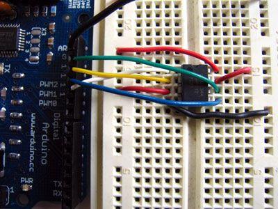 Ampliar con memoria EEPROM externa
