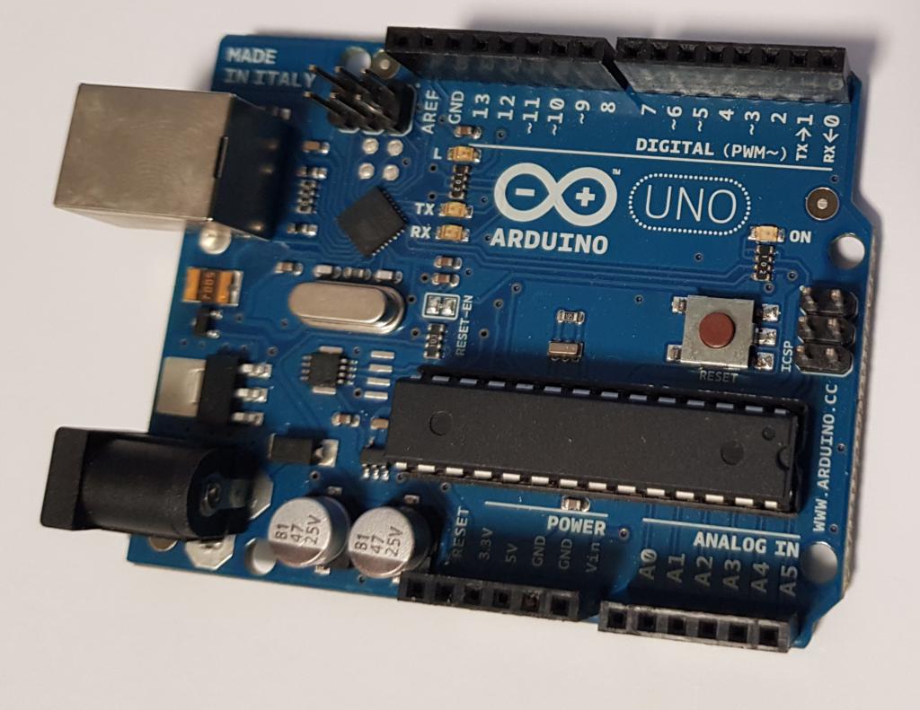 Lo que necesitamos para el proyecto - Placa Arduino UNO